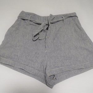 Abercrombie and Fitch seersucker tie shorts